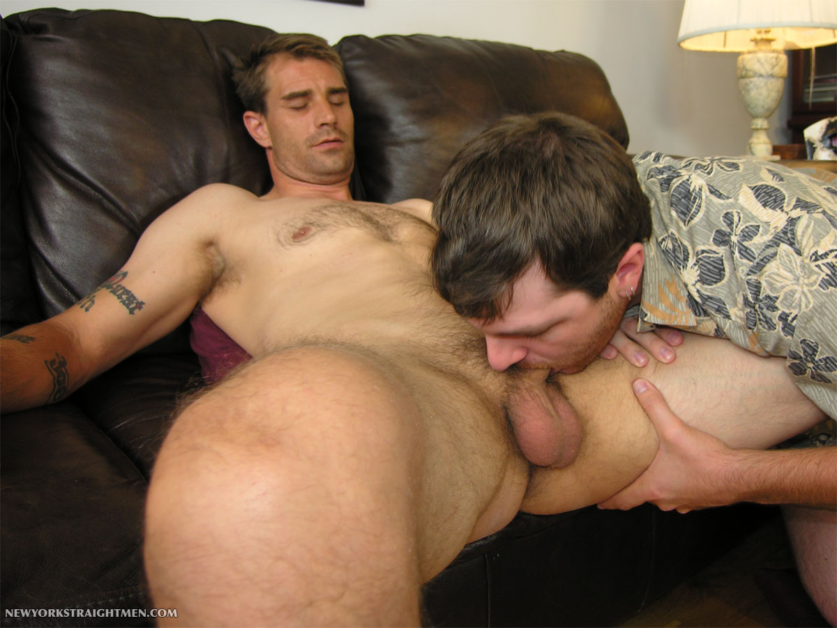 NewYorkStraightMen-Paul-Brent-Straight-Cocksucking-04 Amateur Straight Guy Gets His Cock Serviced by an Amateur Bi Guy