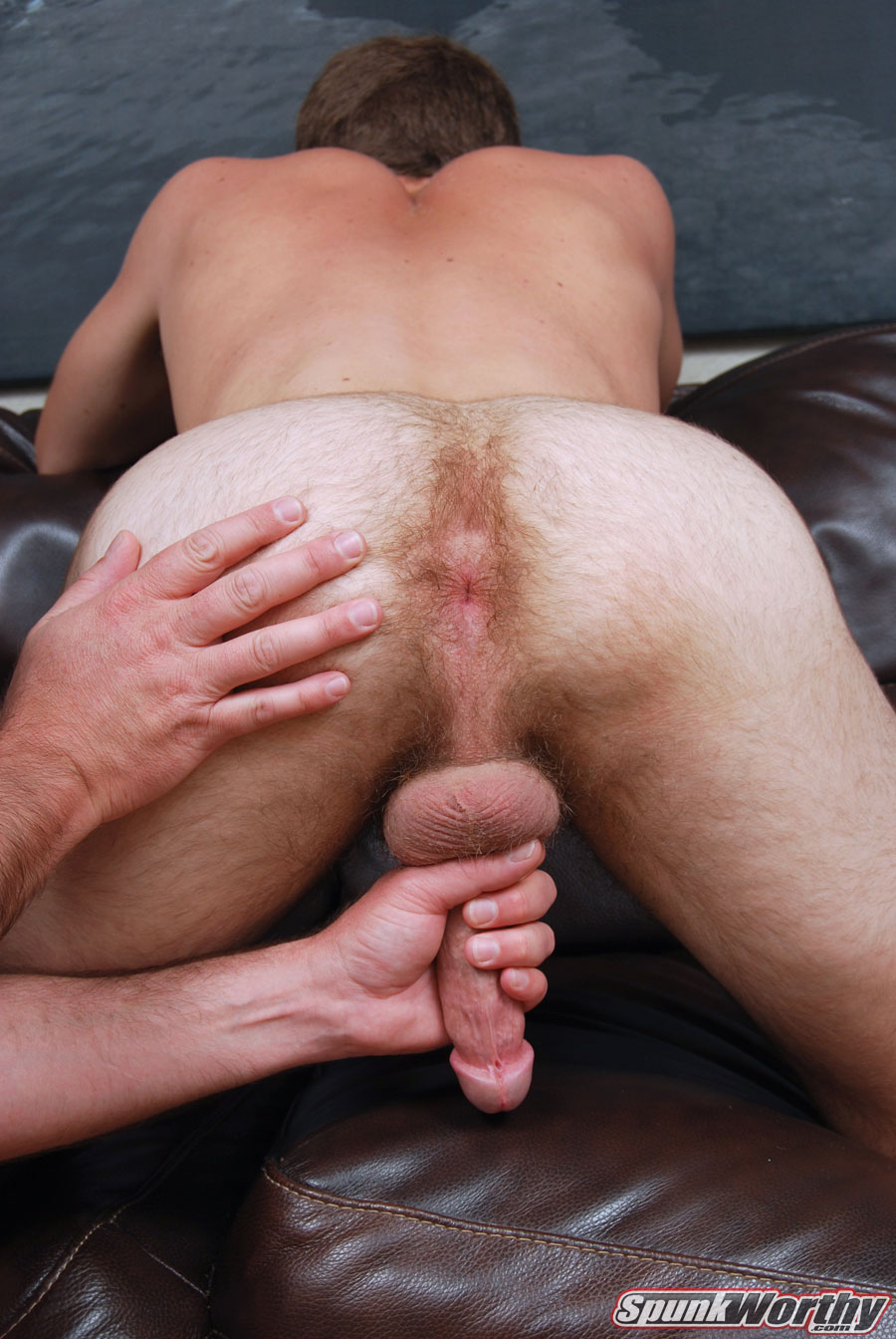 Spunkworthy-Wes-torrent-gay-straight-blowjob-06 Hairy Straight College Jock Gets His Cock Sucked By A Dude For The First Time