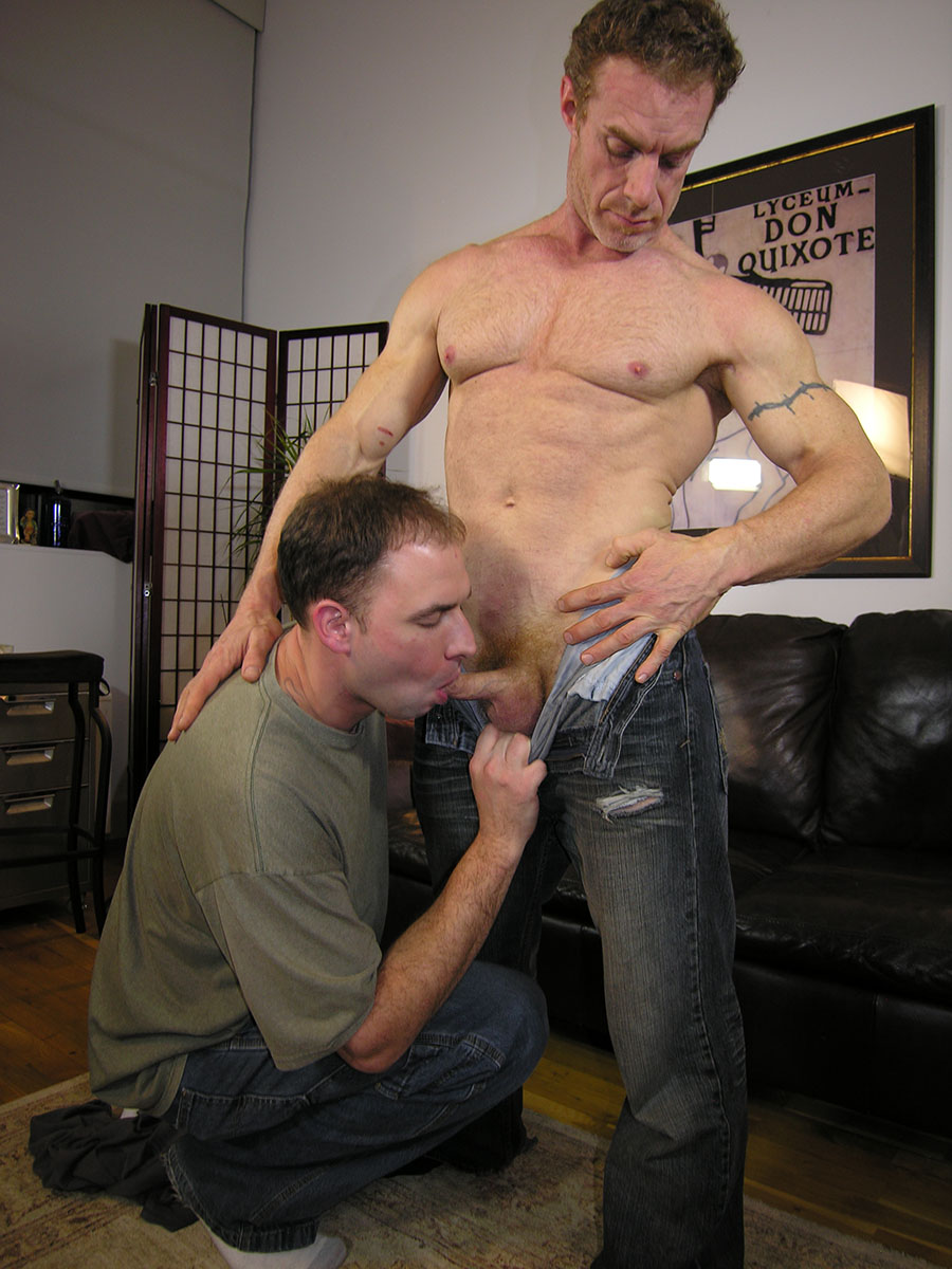 New-York-Straight-Men-Jamie-and-Trey-Redhead-Straight-Guy-Gets-a-Blowjob-from-A-Gayguy-Ginger-Daddy-02 Amateur Straight Redhead Daddy Gets His Ginger Cock Worshipped