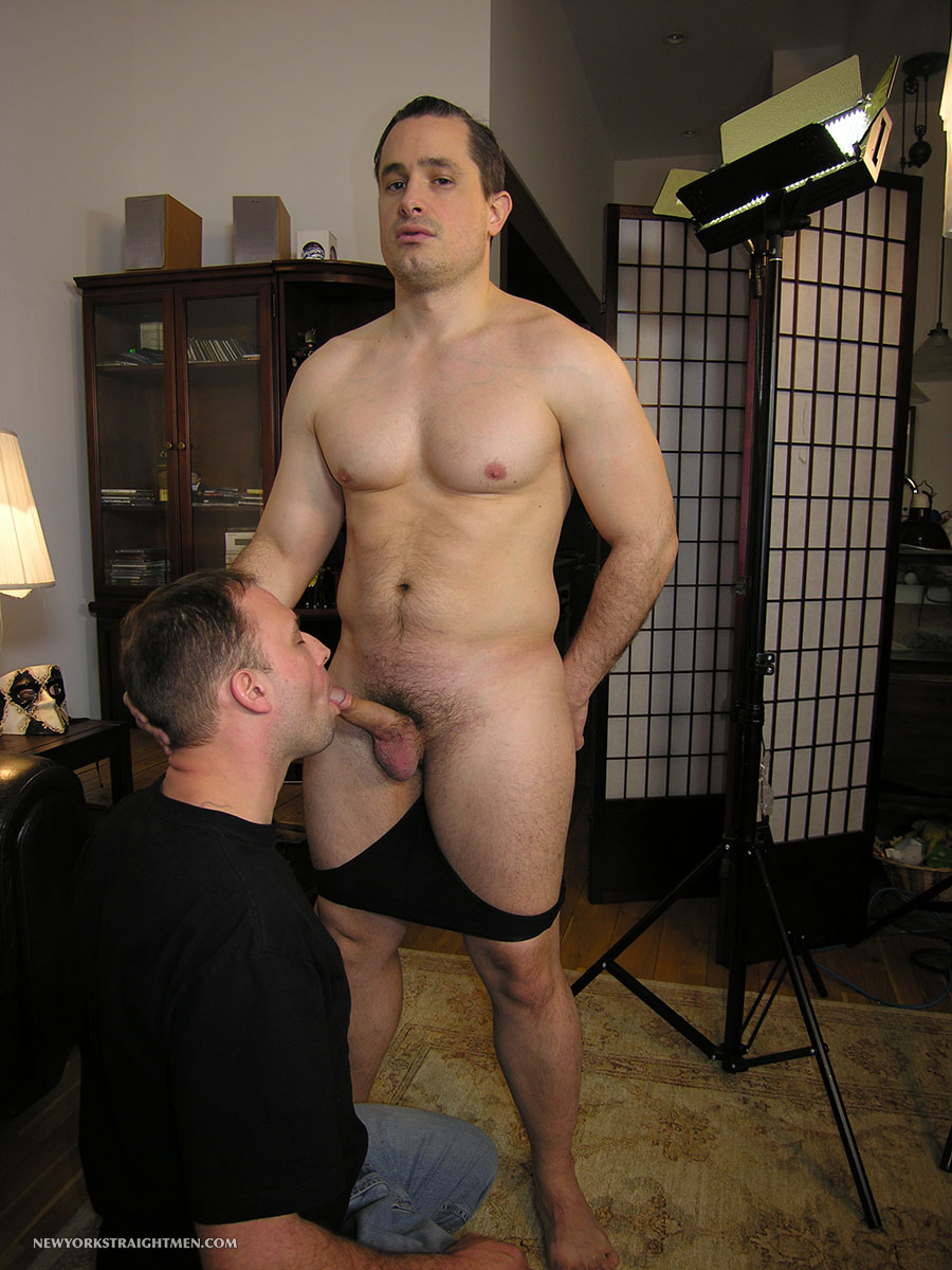 New-York-Straight-Men-Anthony-and-Trey-Straight-Beefy-Muscle-Guy-Gets-Cock-Sucking-Amateur-Gay-Porn-03 Beefy Straight Muscle New Yorker Gets His Cock Sucked By A Dude