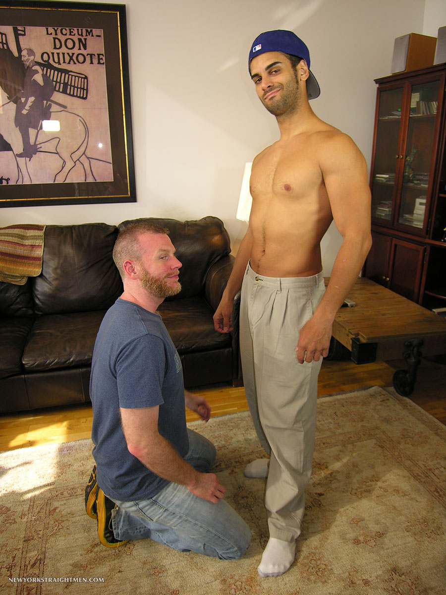 New-York-Straight-Men-Ryder-and-Sean-Straight-Guy-Getting-Cock-Sucked-By-Gay-Guy-Amateur-Gay-Porn-01.jpg