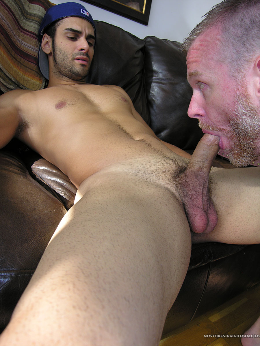 Young gay sucking cum from old man