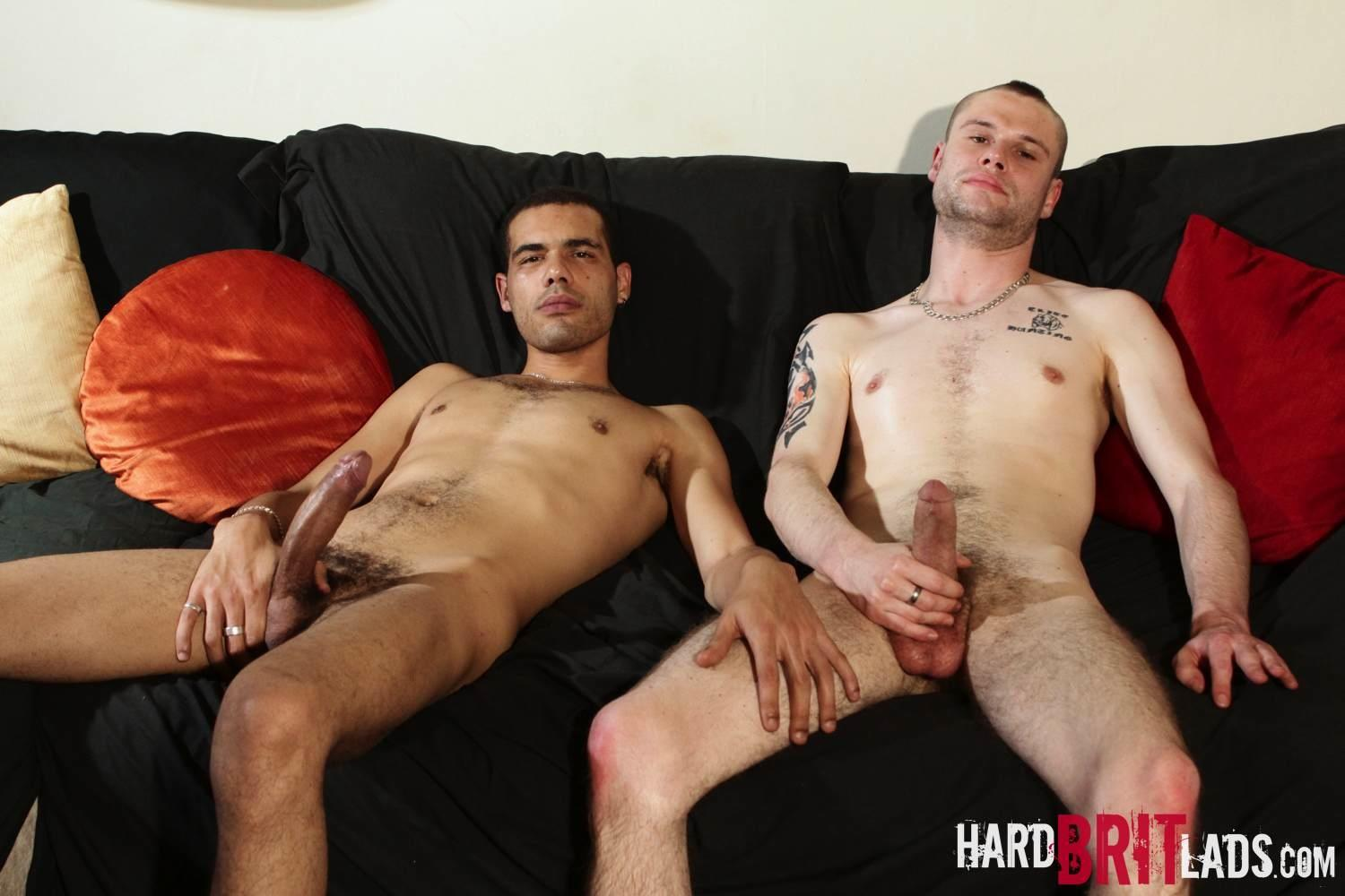 Hard-Brit-Lads-Shaun-Jones-and-Jay-T-Bisexual-Skinhead-Sucking-First-Big-Cock-Amateur-Gay-Porn-19 Hung Amateur Bisexual British Skinhead Sucks His First Cock Ever