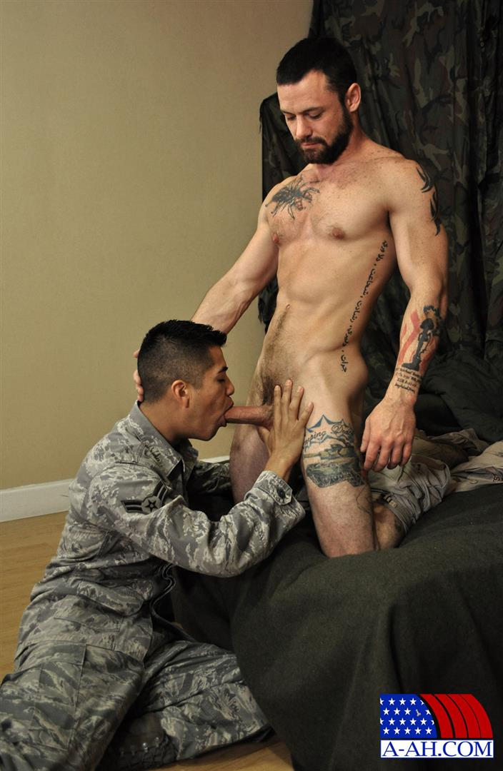 All-American-Heroes-SERGEANT-MILES-AND-AIRMAN-FIRST-CLASS-PAOLO-swapping-blow-jobs-and-cum-Amateur-Gay-Porn-04 Army Sergeant and an Airman Trade Blow Jobs And Eat Cum