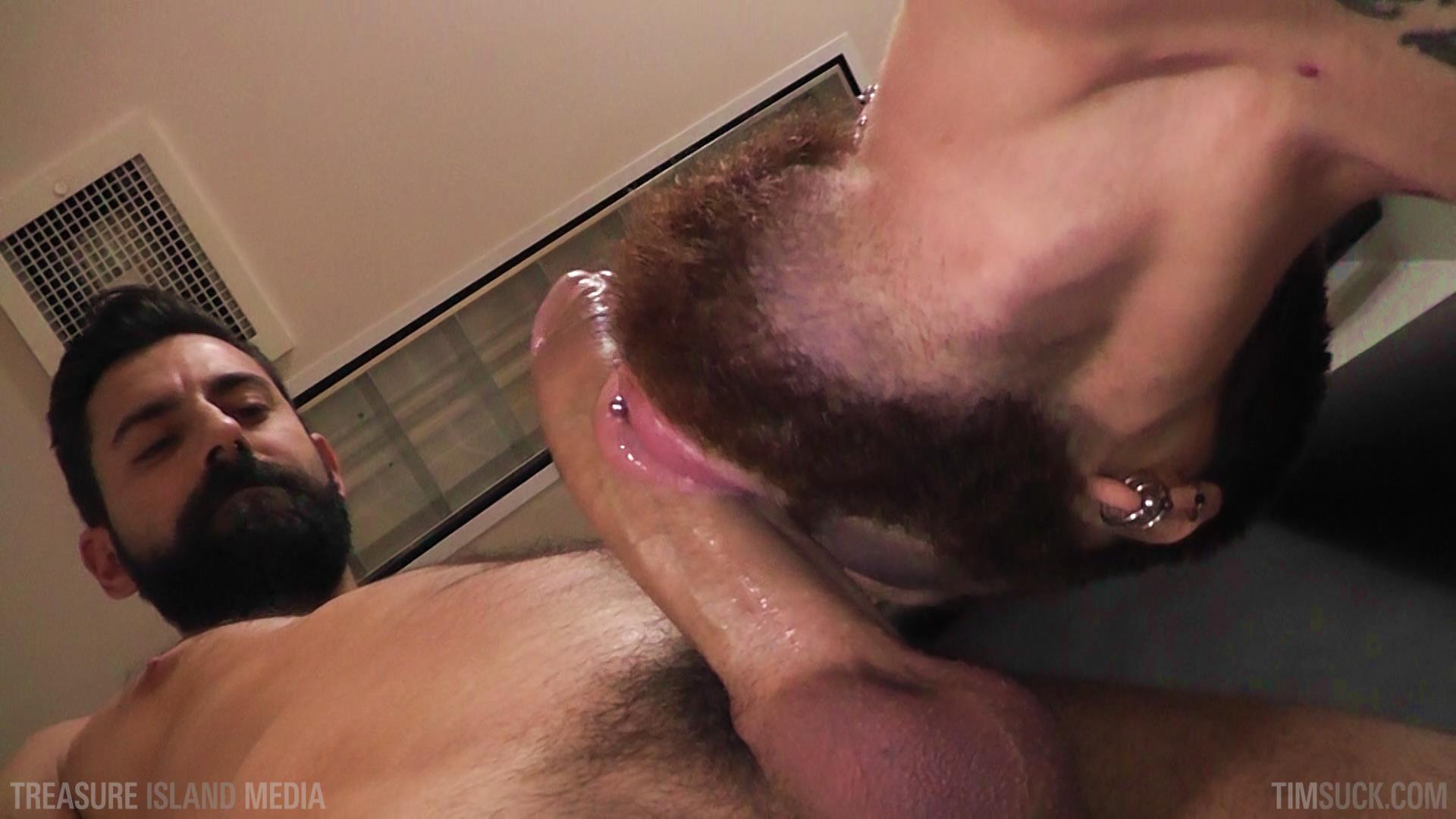 Gay sucking cock and swallowing cum free