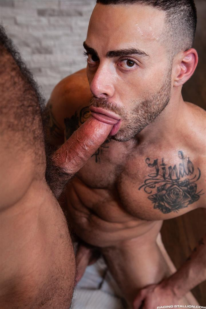 Raging-Stallion-Drake-Masters-and-Carlos-Lindo-Hairy-Muscle-Guy-With-Big-Dick-Blowjob-07 Hairy Muscle Hunk Drake Masters Gets Rimmed And Sucked Off By The Delivery Driver