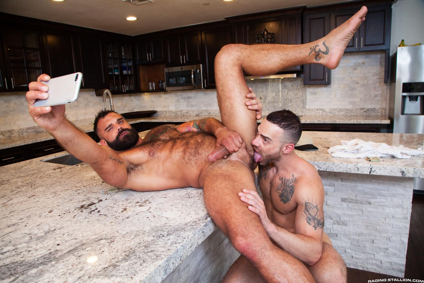 Raging-Stallion-Drake-Masters-and-Carlos-Lindo-Hairy-Muscle-Guy-With-Big-Dick-Blowjob-13 Hairy Muscle Hunk Drake Masters Gets Rimmed And Sucked Off By The Delivery Driver